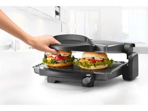 CG 298BK detail lifestyle hamburger contact grill